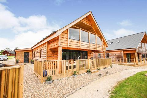 4 bedroom detached house for sale - Thorpe Park Lodges,  Middle Lane, Thorpe-On-The-Hill, Thorpe-On-The-Hill