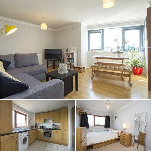 2 bedroom flat for sale - Kenninghall Road, Hackney, London, E5