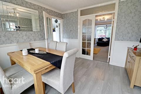3 bedroom detached house for sale - Chestnut Road, Lincoln