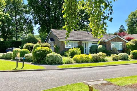 3 bedroom bungalow to rent - West Chiltington