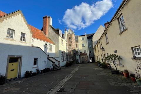 1 bedroom flat to rent - White Horse Close, Canongate, Edinburgh, EH8