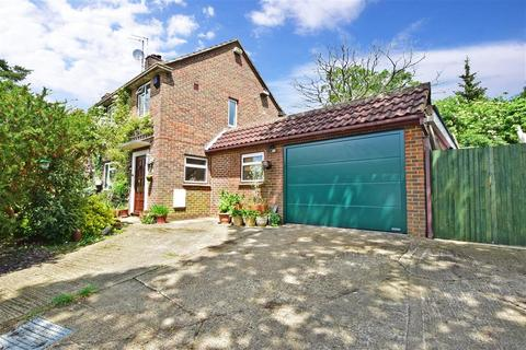 3 bedroom end of terrace house for sale - Queen Elizabeth Road, Rudgwick, West Sussex