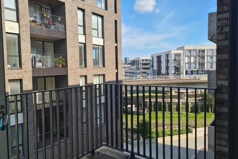1 bedroom apartment to rent - Creative Road London SE8