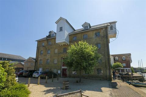 2 bedroom apartment for sale - Provender Mill, Belvedere Road, Faversham