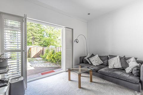 2 bedroom flat for sale - Inglis Road, Ealing