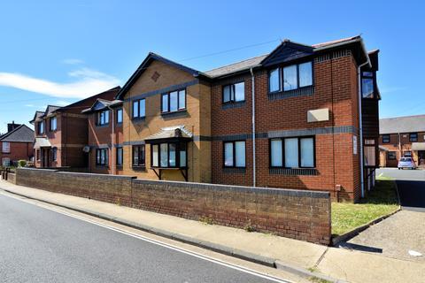 1 bedroom flat to rent - Laurel House,  Trafalgar Road, Newport PO30