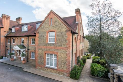 3 bedroom semi-detached house to rent - Amherst Road, W13