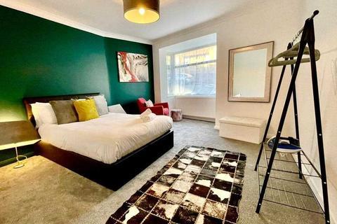 2 bedroom apartment to rent - Mafeking Road, Brighton