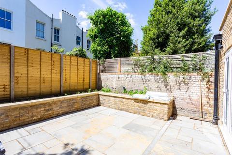 2 bedroom flat to rent - Godolphin Road, Shepherd's Bush W12
