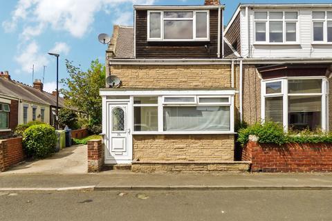 3 bedroom flat for sale - Henderson Road, Gabriel, Sunderland, Tyne and Wear, SR4 7ST
