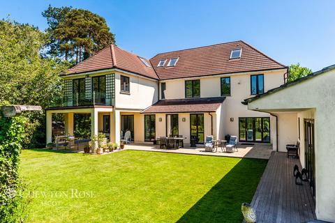 6 bedroom detached house for sale - Green Lane, Burnham