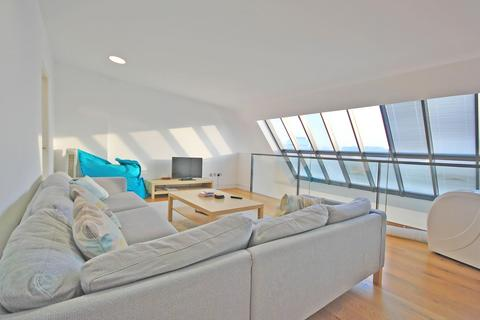 2 bedroom apartment to rent - Curtain Road, London, EC2A 3AG