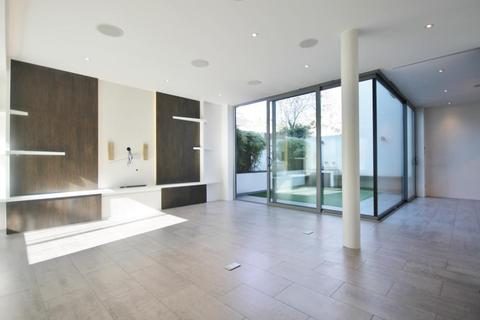 5 bedroom detached house to rent - Wellesley Road, Chiswick, London, W4