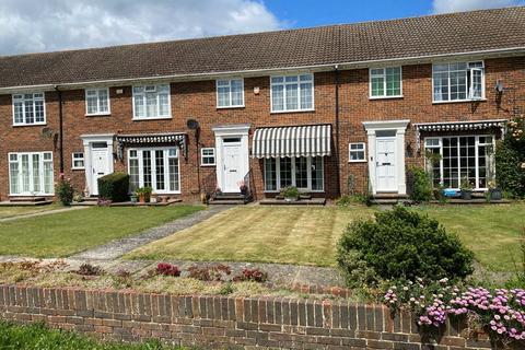 3 bedroom terraced house for sale - Balmoral Grange, Laleham upon Thames, TW18