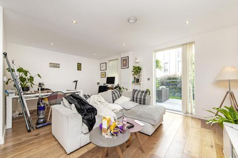 3 bedroom maisonette to rent - Woodmill Street, SE16