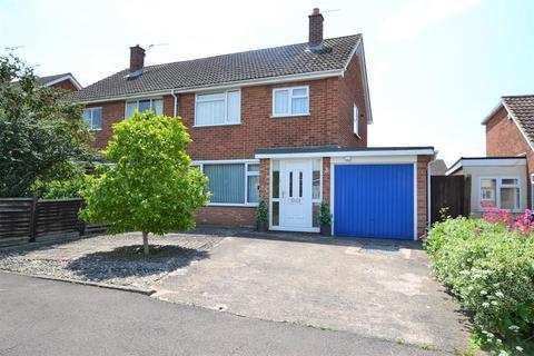 3 bedroom semi-detached house to rent - Radnor Road, Hatherley , Cheltenham, GL51 3JN