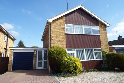 4 bedroom detached house to rent - Parkland Road, Charlton Kings, Cheltenham, Gloucestershire, GL53