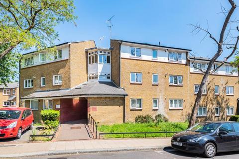 2 bedroom flat for sale - Montem Road, Forest Hill