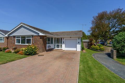 3 bedroom detached bungalow for sale - The Lawn, Aldwick, Bognor Regis, West Sussex, PO21 4XJ