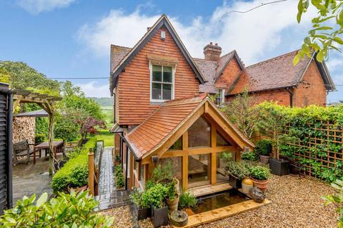 3 bedroom semi-detached house for sale - Hambleden Rise, Hambleden, Henley-on-Thames, Buckinghamshire, RG9