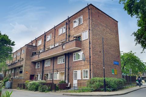 3 bedroom flat for sale - Sparsholt Road, London N19