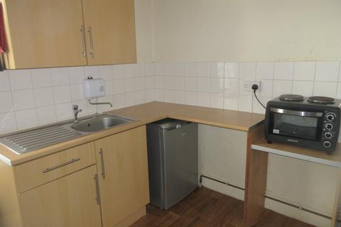 Studio to rent - FOREST DRIVE EAST, LEYTONSTONE, LONDON E11