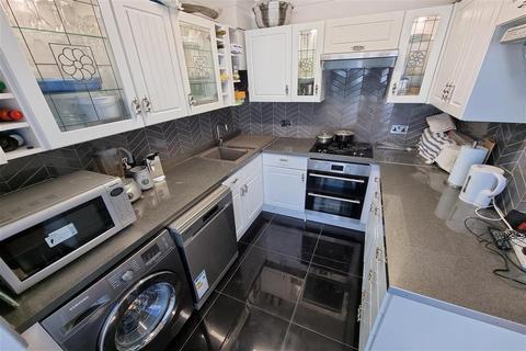2 bedroom semi-detached house for sale - Welbeck Road, Carshalton, Surrey
