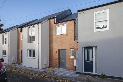 2 bedroom terraced house for sale - Columbia Street, Cheltenham GL52 2JR