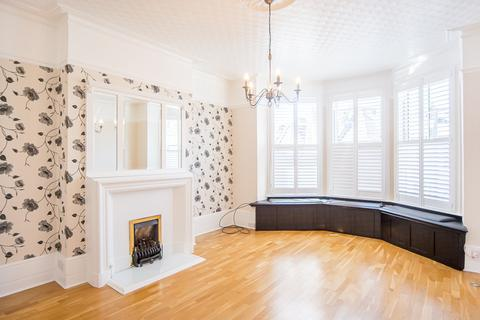 3 bedroom apartment to rent - Kyverdale Road, London N16