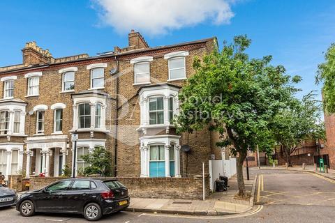 4 bedroom flat to rent - Fairbridge Road, Archway , London