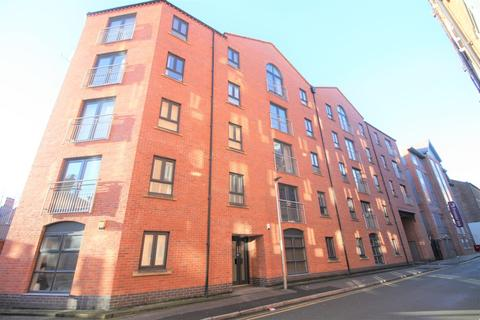 2 bedroom apartment to rent - Russell Street, Chester