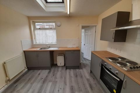 2 bedroom terraced house to rent - Hereford Street, HULL