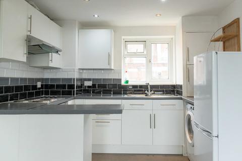 2 bedroom flat for sale - Keymer Court, Burgess Hill