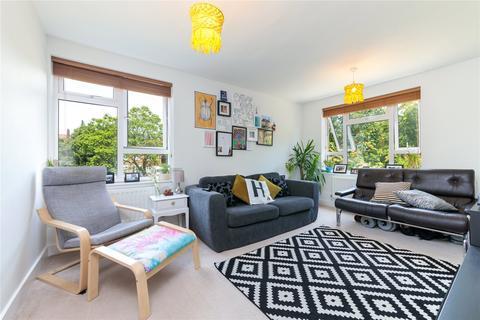 2 bedroom apartment to rent - Limerick Close, Balham, SW12