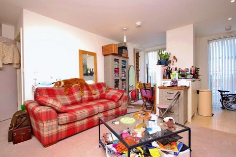 1 bedroom apartment for sale - Florian Court, London