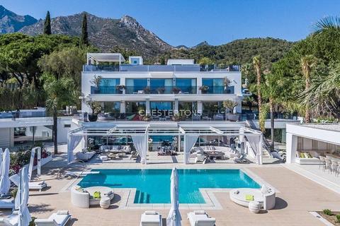 8 bedroom house - Marbella, 14880, Spain