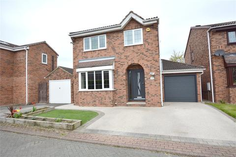 4 bedroom detached house for sale - Fieldway Chase, Oulton, Leeds