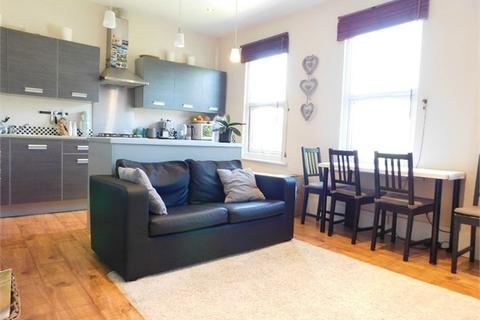2 bedroom apartment to rent - St Marks Road, Hanwell, London, W7