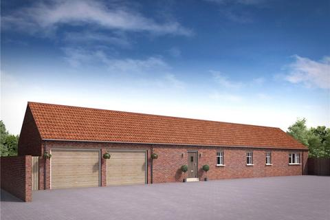 3 bedroom bungalow for sale - The Village, Strensall, York, YO32