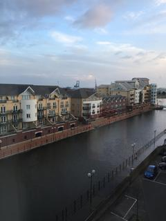 2 bedroom flat to rent - Atlas House, Falcon Drive, Cardiff