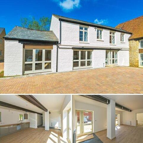 2 bedroom apartment for sale - Buckingham Road, Deanshanger, Milton Keynes, MK19