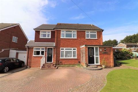 4 bedroom detached house for sale - Spey Close, Durrington, Worthing, West Sussex, BN13 3LT