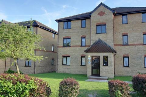 2 bedroom apartment to rent - Woodfield Close, Enfield