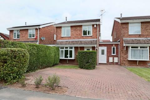 3 bedroom semi-detached house for sale - Pacific Road, Trentham