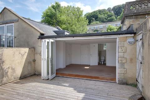 Studio to rent - Calton Road, Bath