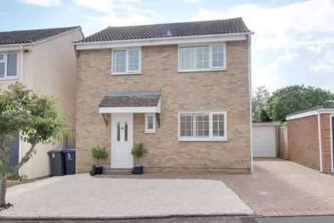 3 bedroom detached house for sale - Manton Close, Trowbridge