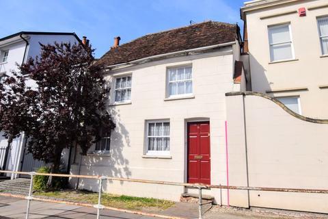 3 bedroom cottage for sale - Walton Street, Aylesbury