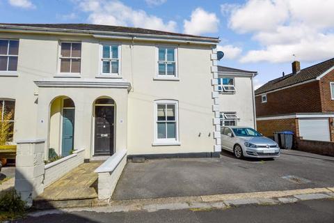 3 bedroom character property to rent - Gorringe Road, Salisbury