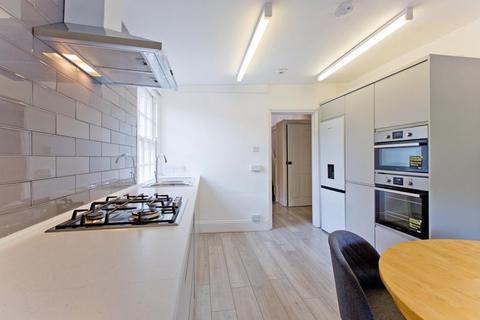 4 bedroom flat to rent - Kilburn Lane, Queens Park W9