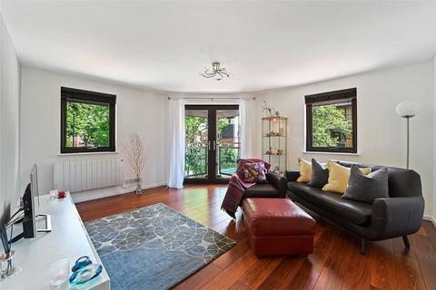 3 bedroom apartment for sale - St. Mary Graces Court, Cartwright Street, London, E1